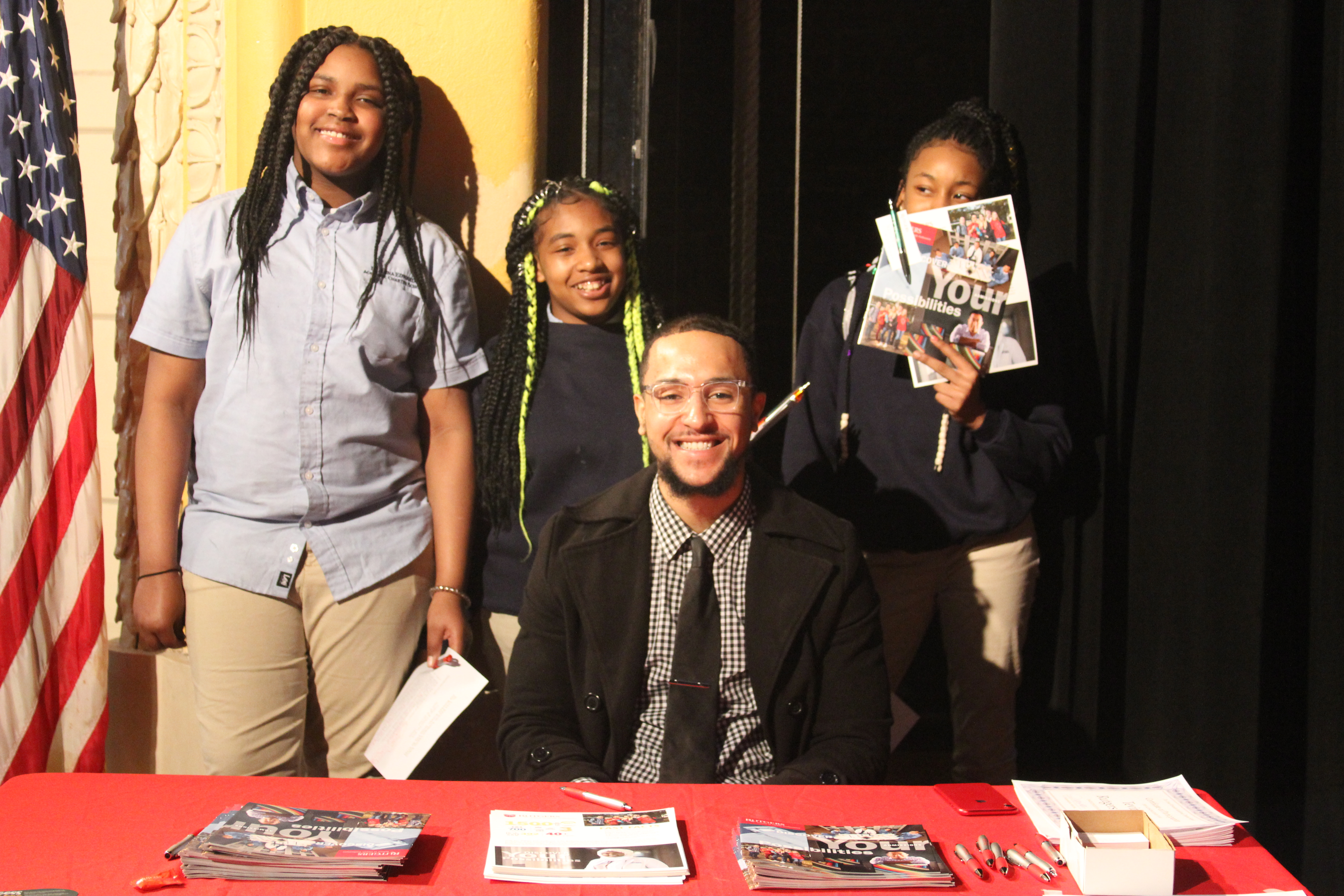Rutgers Tevin Resse with students